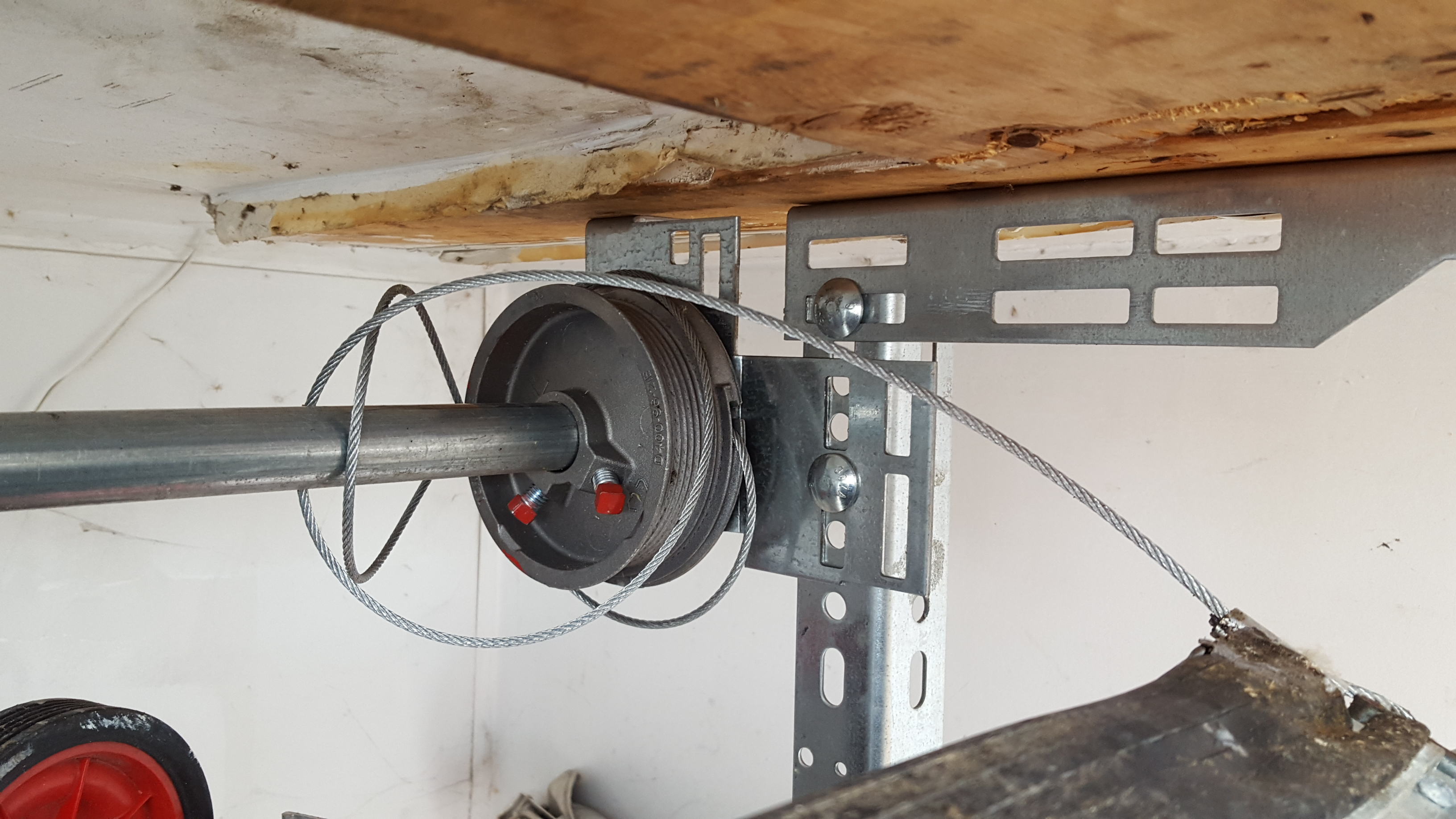 Broken Garage Door Cable Repair Service Dubai 0555293874